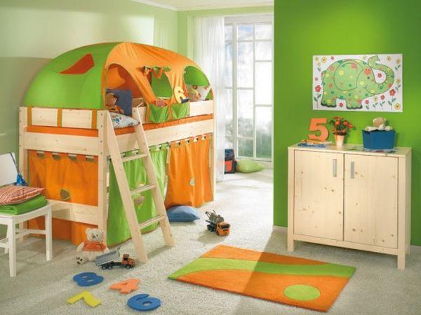 Детская в оранжевых тонах