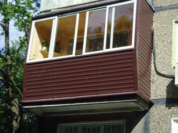 Нужна ли наружная отделка на балконе