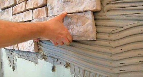 Процесс укладки искусственного камня