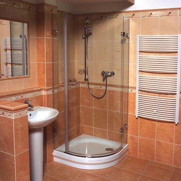 Что лучше – душевая кабинка или ванна?