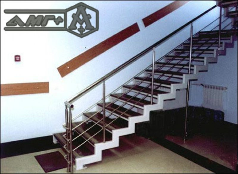 Изготавливаем металлическую лестницу