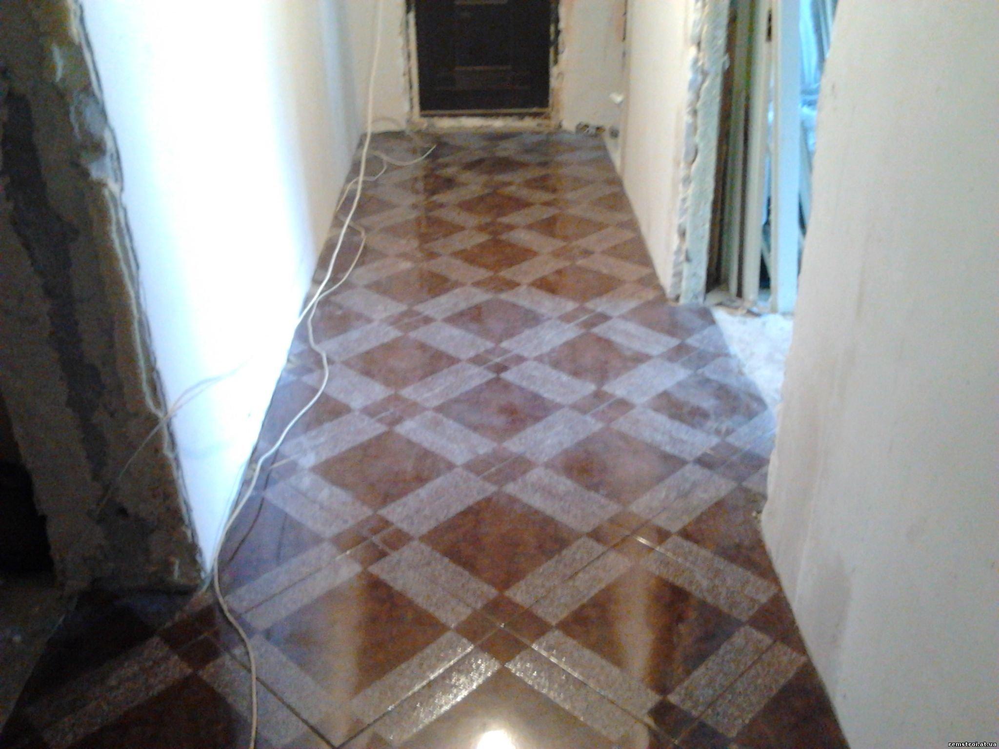 Как уложить плитку на пол в коридоре
