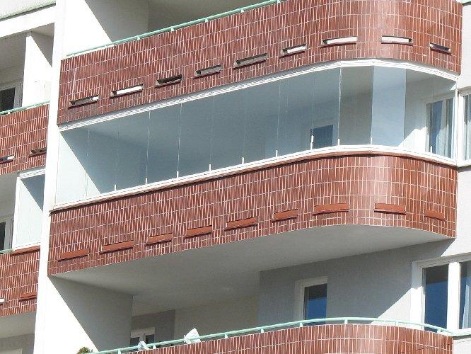 Система безрамного остекления балконов