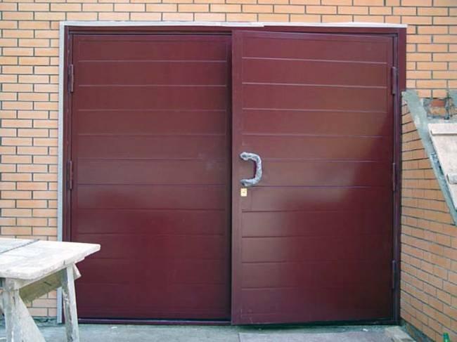Покраска гаражных ворот своими руками