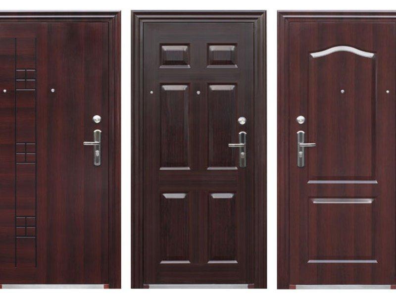 Особенности выбора облицовки металлических дверей