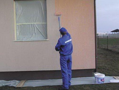 Особенности покраски фасада дома
