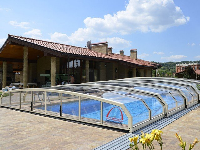 Разновидности крыш для бассейнов