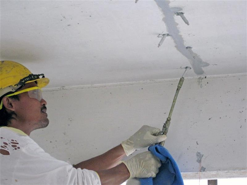 Как избавиться от трещин в бетоне или кладке кирпича