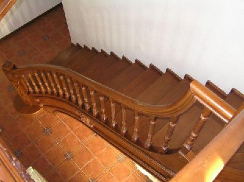 Изготовление деревянных перил для лестницы