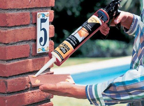 Использование жидких гвоздей в ремонтных работах