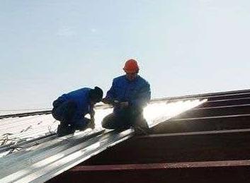 Крыша из профнастила своими руками: особенности установки