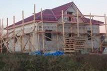 Как построить каркасный дом с использованием кирпича