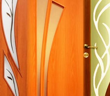 Преимущества и недостатки деревянных межкомнатных дверей
