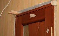 Установка ламинированной двери