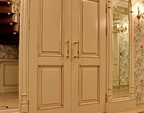 Особенности дверей из натуральной древесины