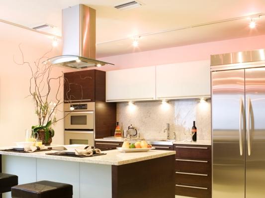 Как правильно организовать освещение кухни