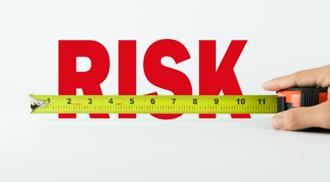Риски арт-дизайна на глянцевой фактуре