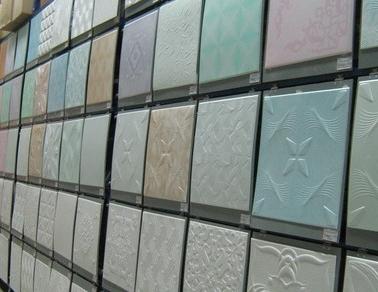 Виды потолочной пенополистирольной плитки