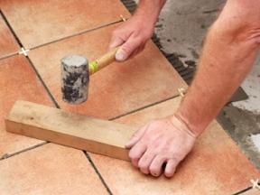 Как самостоятельно уложить плитку?