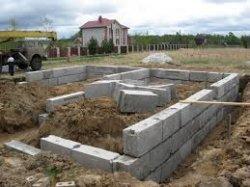Как построить ленточный блочный фундамент