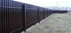 Как построить железный забор