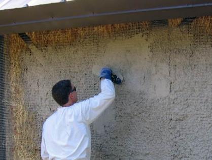 Штукатурные работы по саманным стенам