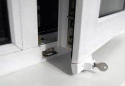 Как установить накладной замок на ПВХ окно