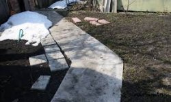 Строим бетонную тропинку