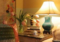 Настольные лампы в интерьере помещений