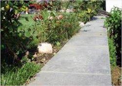 Как сделать бетонную тропинку своими руками