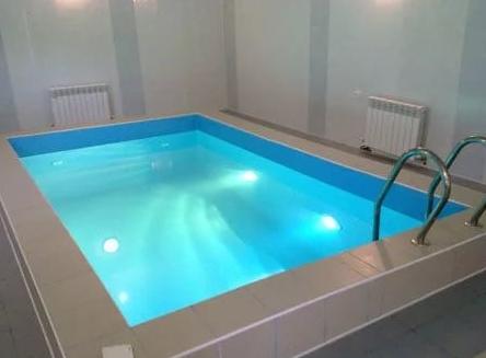 Пленка для бассейнов – недорогой вариант отделки
