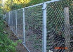 Как построить забор из сетки