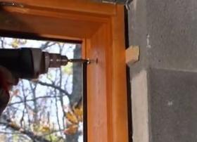 Как установить деревянное окно со стеклопакетом