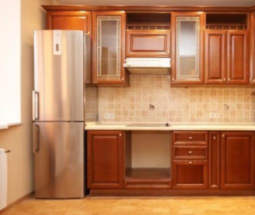 Ремонт квартиры: преимущество деревянной кухни в Москве