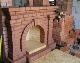Строим кирпичный камин