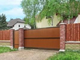 Как выбрать ворота для установки на дачном участке