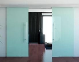 Стеклянные двери и их наиболее примечательные достоинства
