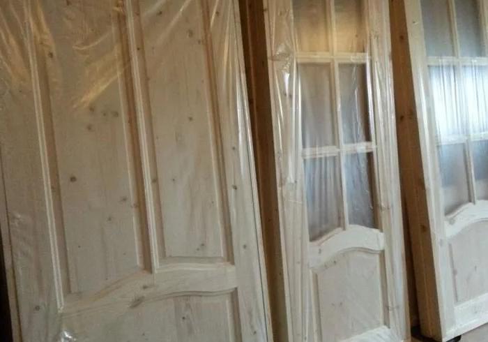 Межкомнатные двери из сосны - как выбрать