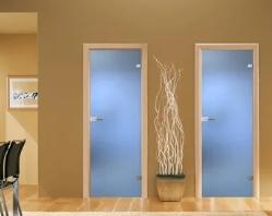 Почему лучше выбрать дверь из стекла?