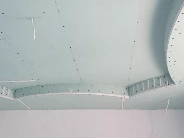 Как сделать потолки из гипсокартона?